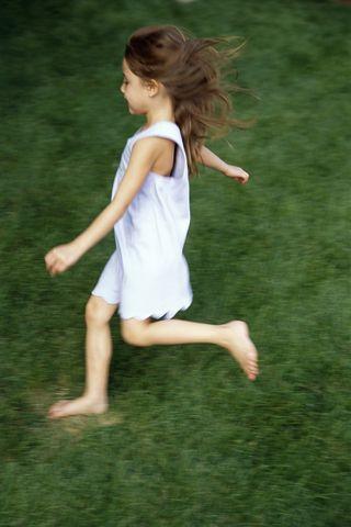 Littlegirlrunning